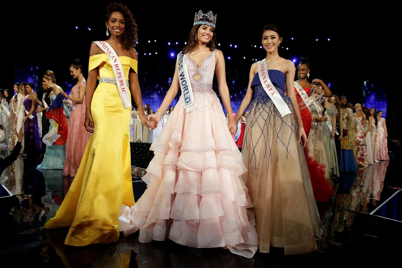 <p>Winner of Miss World Miss Puerto Rico Stephanie Del Valle (C) stands with first runner up Miss Dominican Republic Yaritza Miguelina Reyes Ramirez (L) and second runner up Miss Indonesia Natasha Mannuela during the Miss World 2016 Competition in Oxen Hill, Maryland, U.S., December 18, 2016. REUTERS/Joshua Roberts </p>