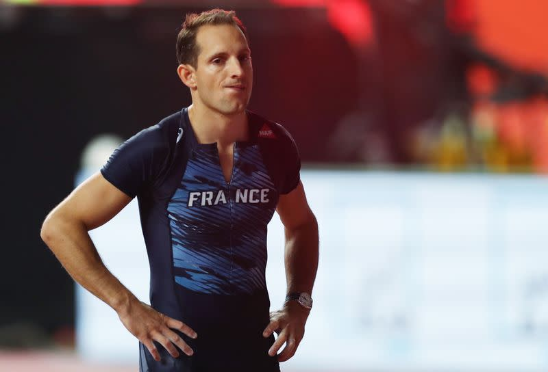 Lavillenie claims 'international home containment' title