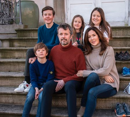 Crown Prince Frederick, Princess Mary (centre), (L-R) Prince Vincent, 9, Prince Christian, 15, Princess Josephine, nine, Princess Isabella, 13 in official portrait at home during coronavirus.