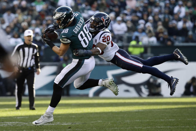 Philadelphia Eagles' Dallas Goedert (88) pulls in a pass against Houston Texans' Justin Reid (20) during the second half of an NFL football game, Sunday, Dec. 23, 2018, in Philadelphia. (AP Photo/Matt Rourke)