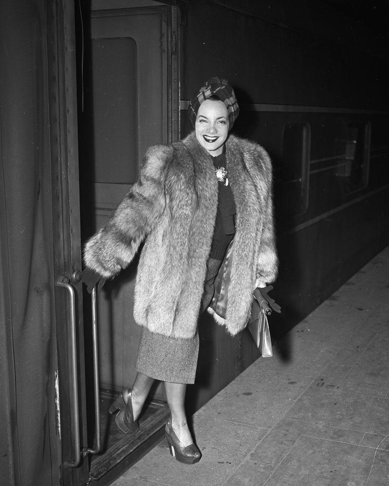 <p>Broadway star Carmen Miranda arrives by train at Grand Central Terminal for a vacation in 1942.</p>