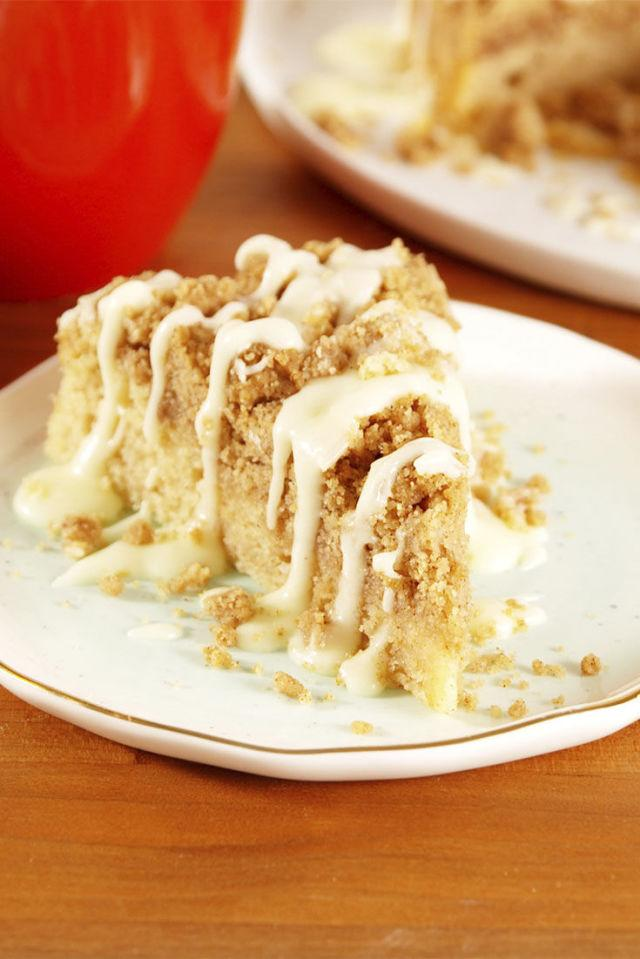 "<p>Totally acceptable to eat for breakfast, right?</p><p><span>Get the recipe from </span><a rel=""nofollow"" href=""http://www.delish.com/cooking/recipe-ideas/recipes/a53101/snickerdoodle-crumb-cake-recipe/"">Delish</a><span>.</span></p>"