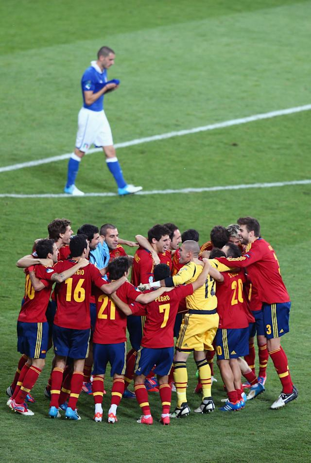 KIEV, UKRAINE - JULY 01: Spain celebrate after victory during the UEFA EURO 2012 final match between Spain and Italy at the Olympic Stadium on July 1, 2012 in Kiev, Ukraine. (Photo by Michael Steele/Getty Images)