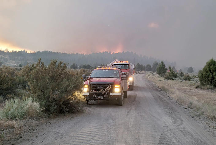 Image: Emergency services attend the Bootleg Fire in Oregon, July 11, 2021. (Northwest Incident Management Team 10)