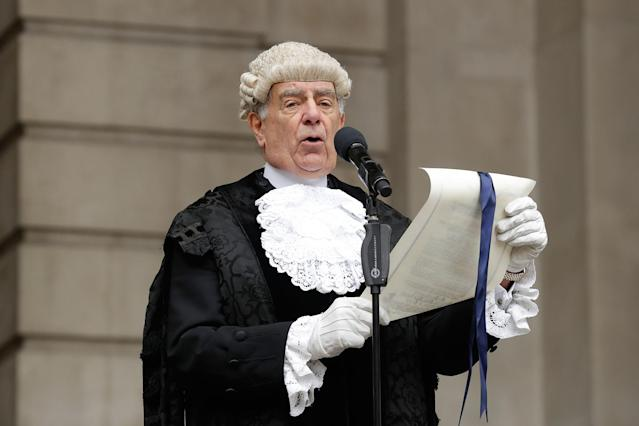 <p>In keeping with traditional practice, Colonel Geoffrey Godbold, the City of London Corporation's Common Cryer and Serjeant-at-Arms reads out the Proclamation of the Summons for a new Parliament on the steps of the Royal Exchange, in the City of London, Thursday, May 4, 2017. All 650 seats in the House of Commons are up for grabs in the June 8 election. (Photo: Matt Dunham/AP) </p>