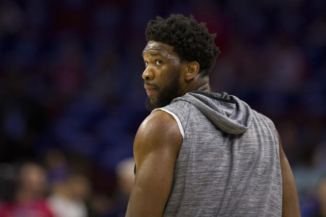 """According to Charles Barkley, <a class=""""link rapid-noclick-resp"""" href=""""/nba/players/5294/"""" data-ylk=""""slk:Joel Embiid"""">Joel Embiid</a> needs to 'get his fat butt in shape.' (Getty Images)"""