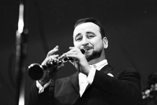 <p>Pete Fountain, the jazz clarinetist, was best known for his appearances on Lawrence Welk and Johnny Carson's television shows. He died at age 86 on August 6. — (Pictured) Pete Fountain in 1960. (Michael Ochs Archives/Getty Images) </p>