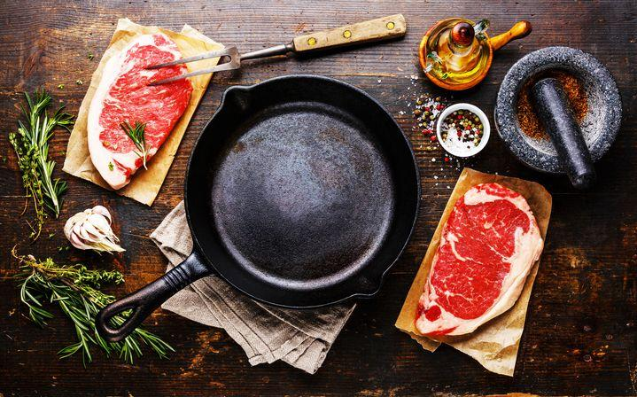 9 Durable Cast-Iron Skillets To Make Your Best Meals Anywhere-9044