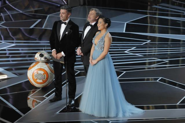 From left; BB-8, Oscar Isaac, Mark Hamill, and Kelly Marie Tran present the Best Animated Short Film Oscar. (Photo: Reuters/Lucas Jackson)
