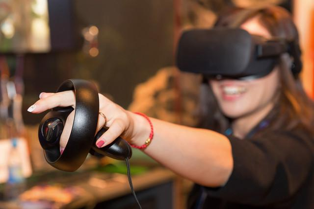 khronos group vr standards initiative oculus touch hands on