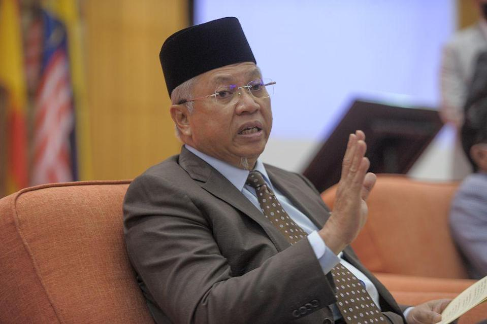 Political instability was among the reasons that contributed towards the Perikatan Nasional (PN) government announcing the state of Emergency last week, Federal Territories Minister Tan Sri Annuar Musa was reported saying. — Picture by Shafwan Zaidon