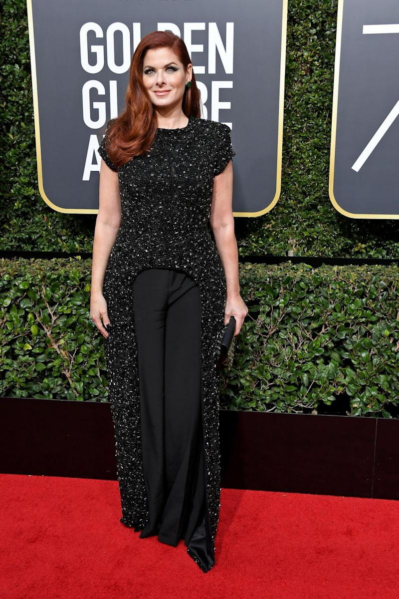 Debra Messing wore all black on the Golden Globes red carpet. Photo: Getty
