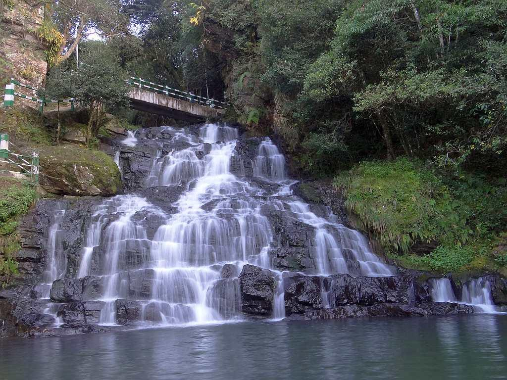 "Elephant Fall in in Mawnianglah, Meghalaya, located just about 10 km from Shillong. This is a popular picnic spot. <br>By <a target=""_blank"" href=""https://www.flickr.com/photos/sskalai/"">Shyam Son Kalai</a>/ Flickr"