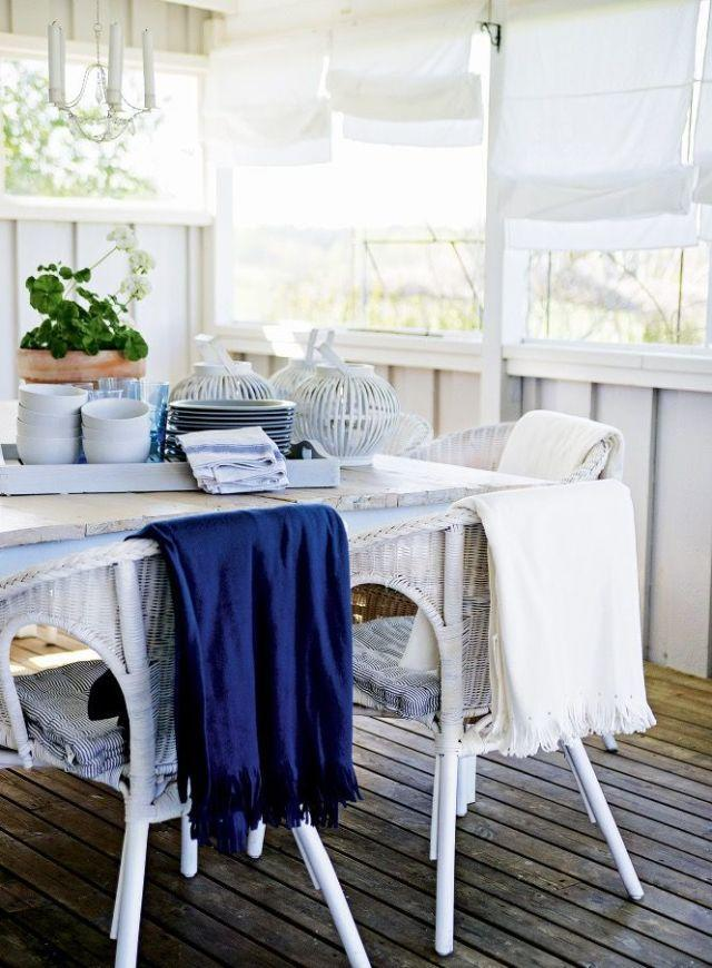 <p>Roman blinds soften the look and the light in a simple hut<span>.</span></p>