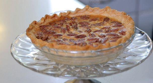 PHOTO: A white chocolate pecan pie is pictured as a Thanksgiving dessert. (ABC News)