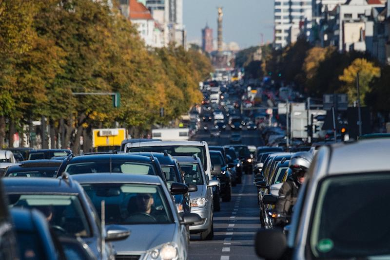 The German government is to ease air pollution laws aimed at curbing diesel vehicle use in urban areas
