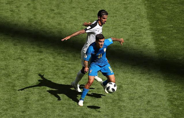 Soccer Football - World Cup - Group E - Brazil vs Costa Rica - Saint Petersburg Stadium, Saint Petersburg, Russia - June 22, 2018 Brazil's Philippe Coutinho in action with Costa Rica's Bryan Ruiz REUTERS/Lee Smith