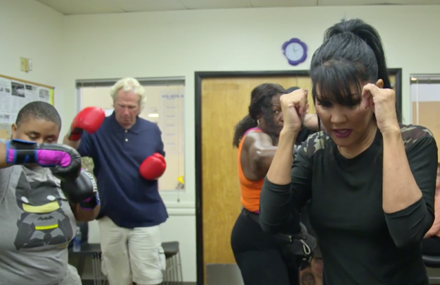 Mia St. John teaches boxing to the homeless in Palm Springs, California. (Yahoo Sports)