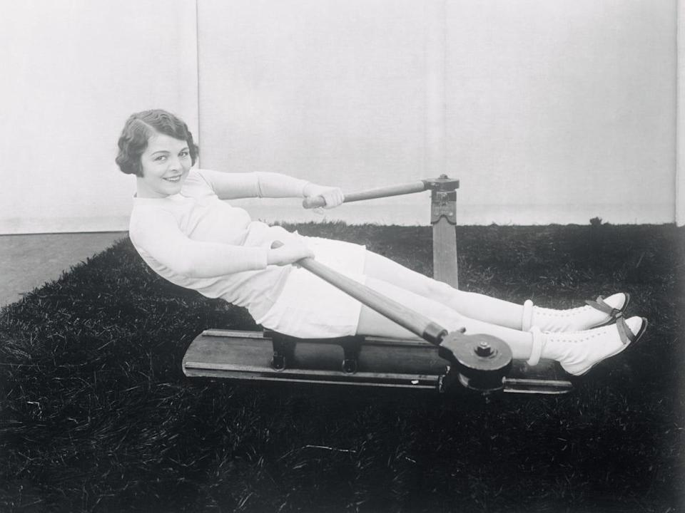 rowing machine in 1920s