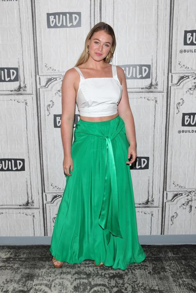 Iskra Lawrence is the host of a new docu-series called 'The Mirror Challenge.' (Photo: Getty Images)