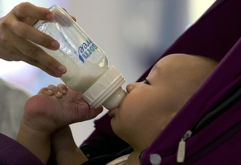 China fines 6 milk suppliers in price-fixing probe