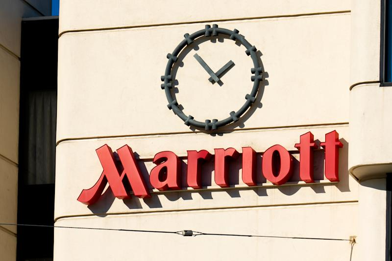 SAN FRANCISCO, UNITED STATES - 2020/01/23: American multinational hospitality company Marriott hotel logo seen at one of their hotels. (Photo by Alex Tai/SOPA Images/LightRocket via Getty Images)