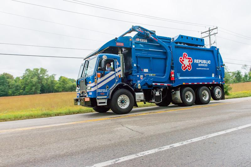 Nikola Scores Landmark Order For 2,500 Battery-Electric Garbage Trucks