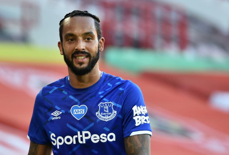 Walcott set for Saints debut at Chelsea as Armstrong and Djenepo miss out