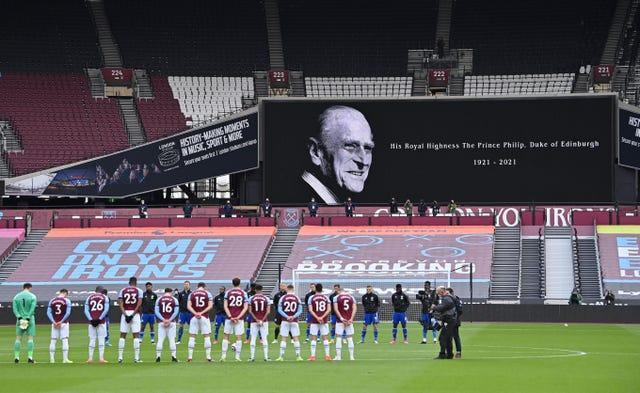 West Ham and Leicester players also paid tribute ahead of their match at the London Stadium (Justin Setterfield/PA).