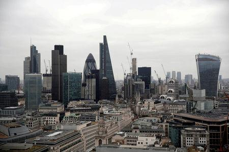 Banks Told by EU to Solve Their $134 Trillion Brexit Headache