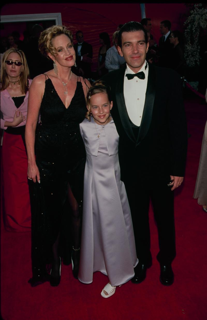 Melanie Griffith, Dakota Johnson, and Antonio Banderas at the 72nd Annual Academy Awards (Photo by The LIFE Picture Collection via Getty Images)