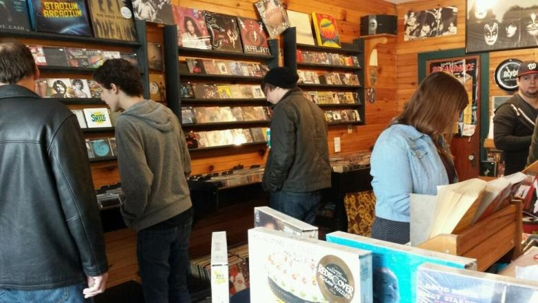 Back Alley Music owner says shop won't skip a beat during move