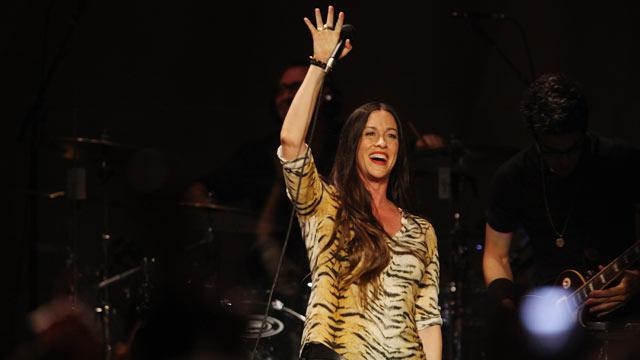 Alanis Talks Tour, Inspiring Katy Perry
