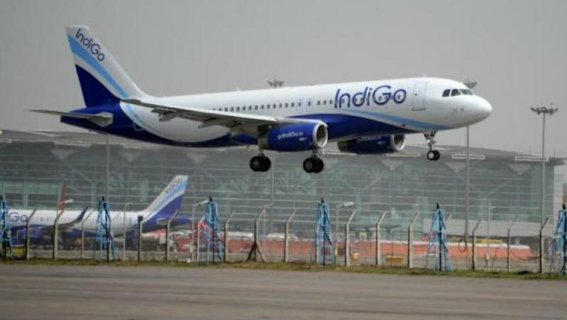 IndiGo Flight 6E- 237 Makes Emergency Landing in Kolkata After Smoke Fills In the Aircraft, Watch Video