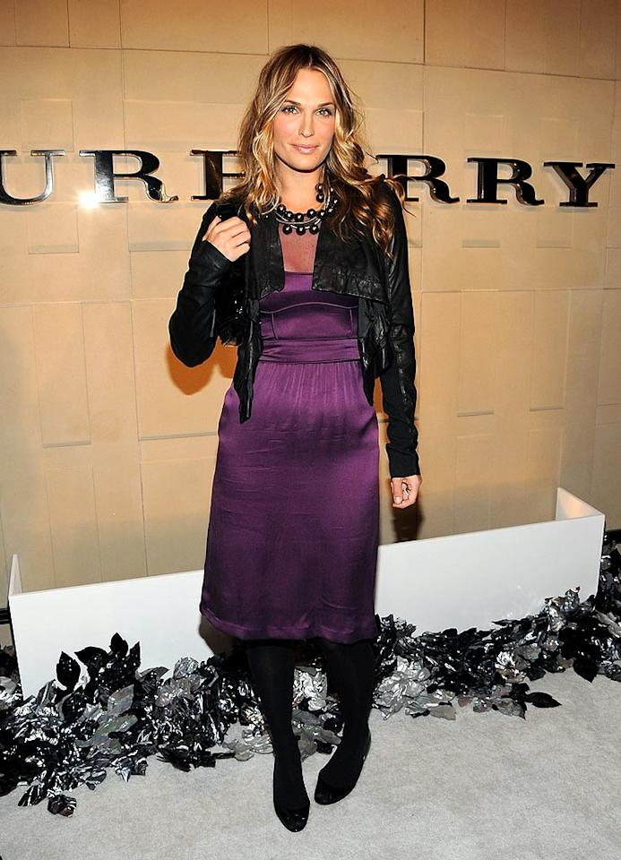 """Molly Sims looks absolutely perfect in purple. Jordan Strauss/<a href=""""http://www.wireimage.com"""" target=""""new"""">WireImage.com</a> - October 20, 2008"""