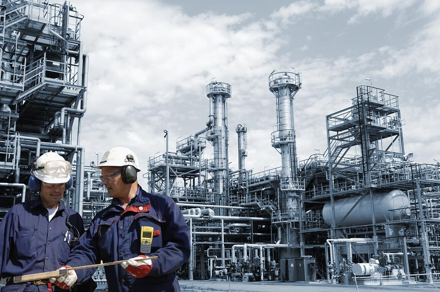 Significant recovery in oil price through the March quarter of 2019 may hurt Valero Energy's (VLO) refining business.