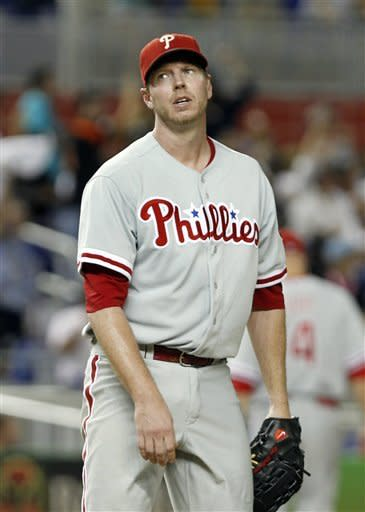 Halladay gets 11th win, Phils top Marlins 9-5