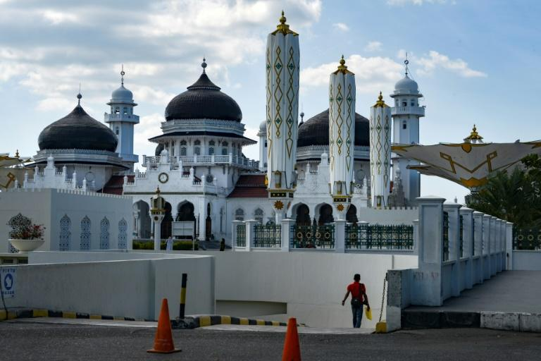 A team of some 1,000 have spent years visiting every corner of Indonesia to answer one question: how many mosques are there in the world's biggest Muslim majority nation? (AFP Photo/CHAIDEER MAHYUDDIN)