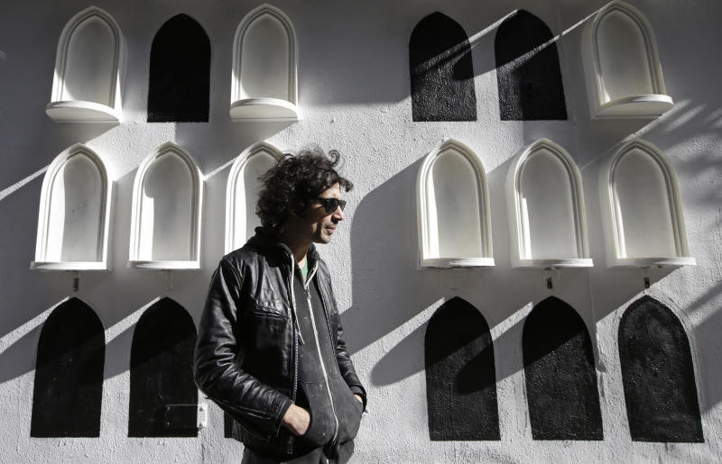 Strokes' Moretti engages in interactive art