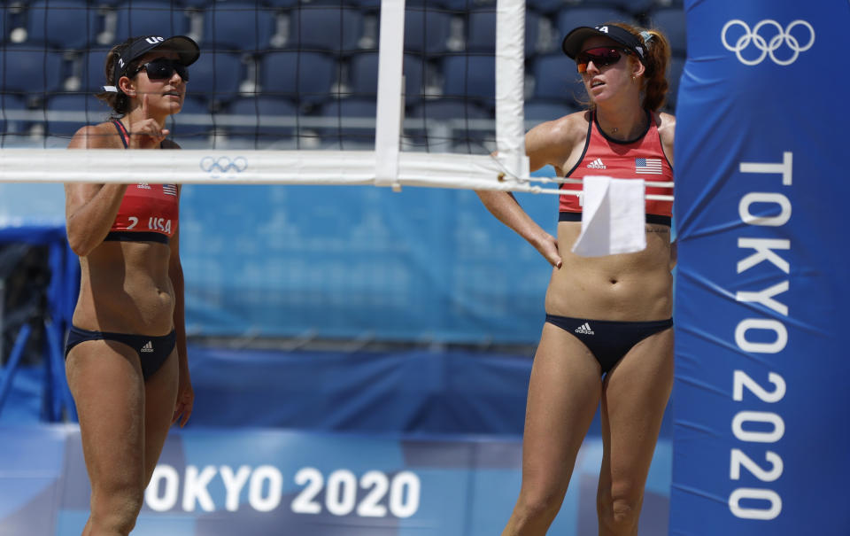 Tokyo 2020 Olympics - Beach Volleyball - Women - Round of 16 - Canada  (Bansley/Brandie) v United States (Claes/Sponcil) - Shiokaze Park, Tokyo, Japan - August 1, 2021. Kelly Claes of the United States and Sarah Sponcil of the United States during the match. REUTERS/John Sibley