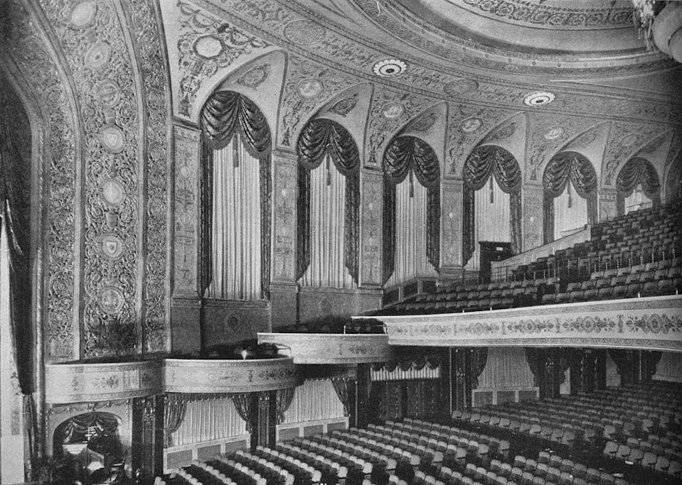 <p>The Earle Theatre opened as a cinema and vaudeville venue in 1924. It showed first-run silent movies. In 1947, it was renamed the Warner Theatre, one of today's most popular venues in D.C. for concerts and The Washington Ballet. </p>