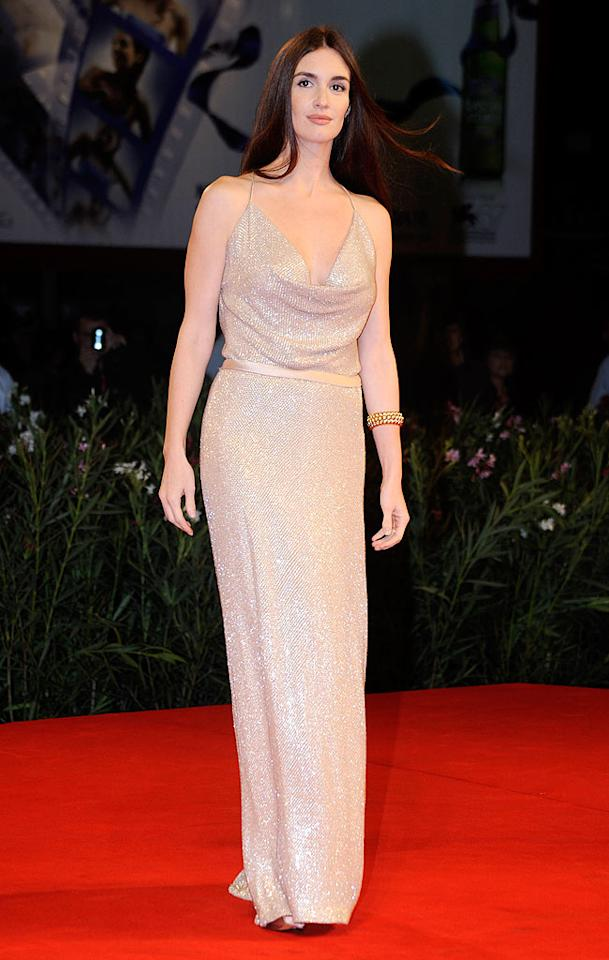"""A few days before Helen hit the red carpet, Spanish stunner Paz Vega wowed the crowd in custom-made Gucci gown, which featured thousands of crystals, at a screening of """"Balada Triste de Trompeta."""" <a href=""""http://www.splashnewsonline.com"""" target=""""new"""">Splash News</a> - September 7, 2010"""