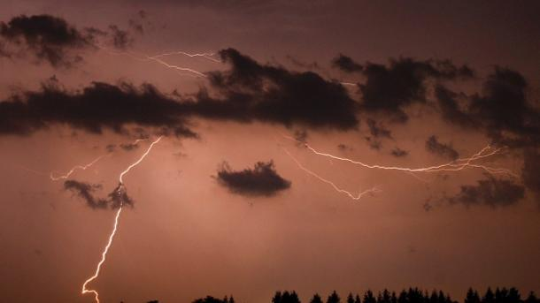 Stormy weather to usher in cool relief for Ontario, Quebec