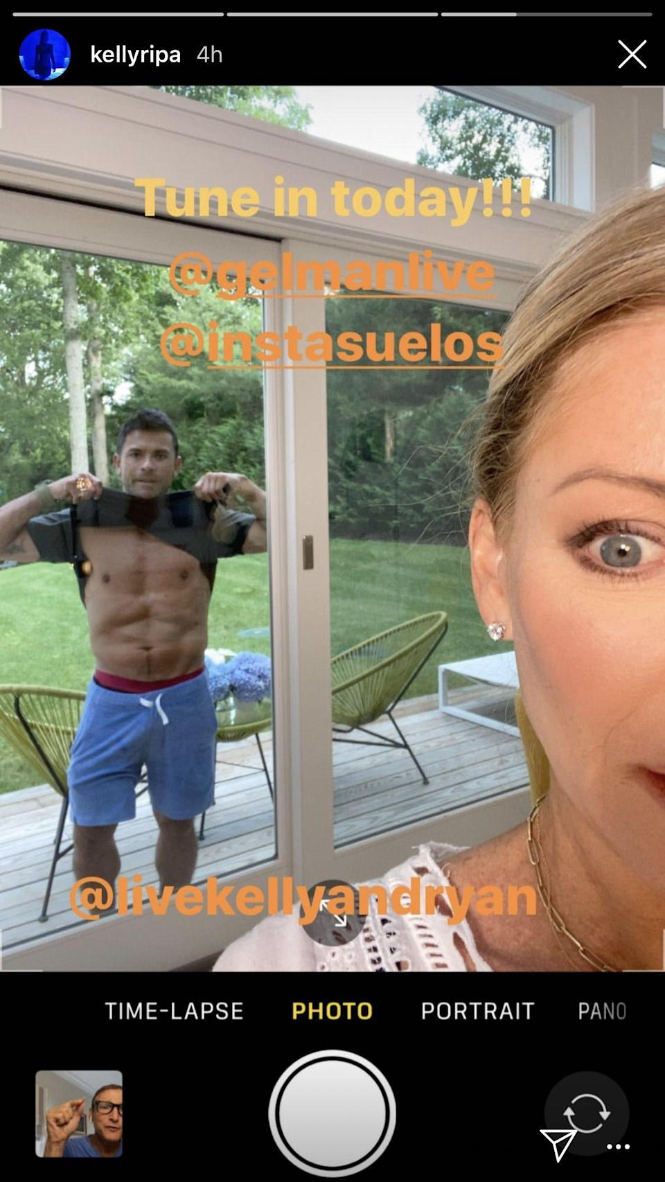 Mark Consuelos Surprised Kelly Ripa by Flashing His Ripped Abs