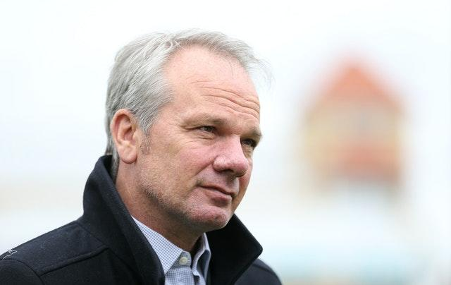 Mick Newell announced the news to the news to the Nottinghamshire squad