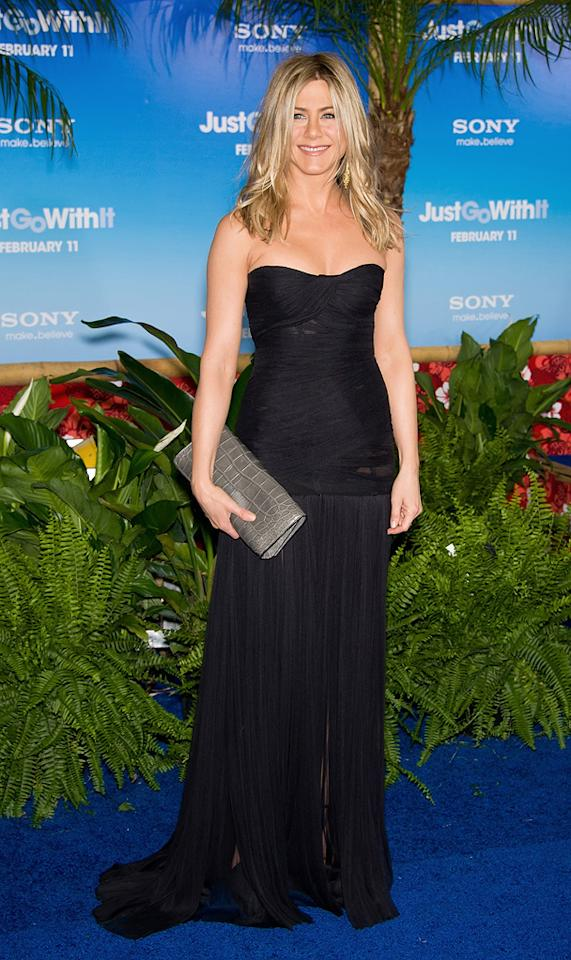 "<a href=""http://movies.yahoo.com/movie/contributor/1800021397"">Jennifer Aniston</a> attends the Los Angeles premiere of <a href=""http://movies.yahoo.com/movie/1810150358/info"">Just Go With It</a> on February 8, 2011."