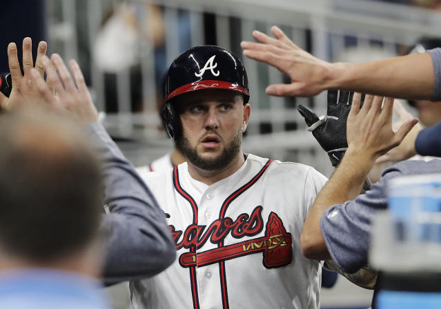 "New free agent <a class=""link rapid-noclick-resp"" href=""/mlb/players/9100/"" data-ylk=""slk:Matt Adams"">Matt Adams</a> hit 19 home runs for the Braves in 2017. (AP)"