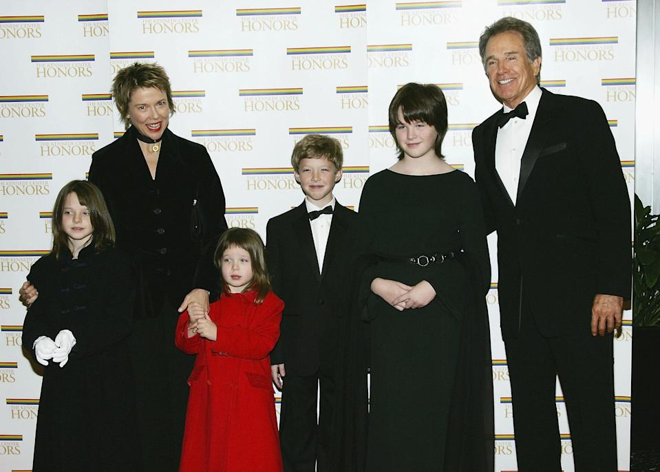 WASHINGTON - DECEMBER 4:  Honoree Warren Beatty poses with wife Annette Bening and children Isabel, Ella, Benjamin and Kathlyn at the 27th Annual Kennedy Center Honors at U.S. Department of State, December 4, 2004 in Washington, DC.   (Photo by Evan Agostini/Getty Images)