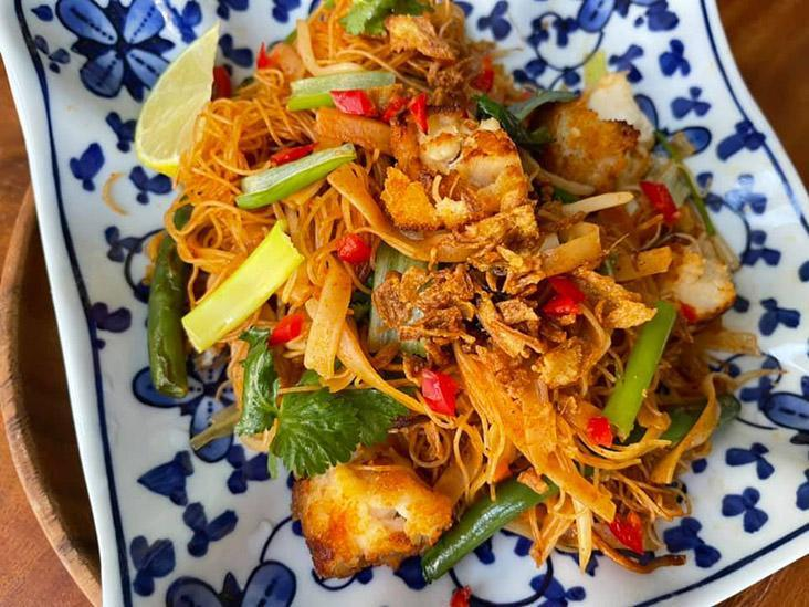 Various entries with recipes have been submitted like this this dish that uses fried noodles, fish fingers and Korean gochujang sauce  — Picture courtesy of Rolf Cook On Budget Facebook group