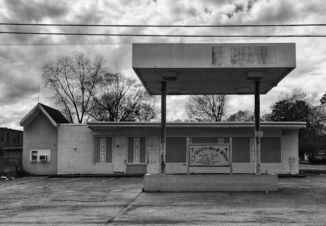 <p>A gas station converted into a church in Selma, Ala. (Photo: Holly Bailey/Yahoo News) </p>